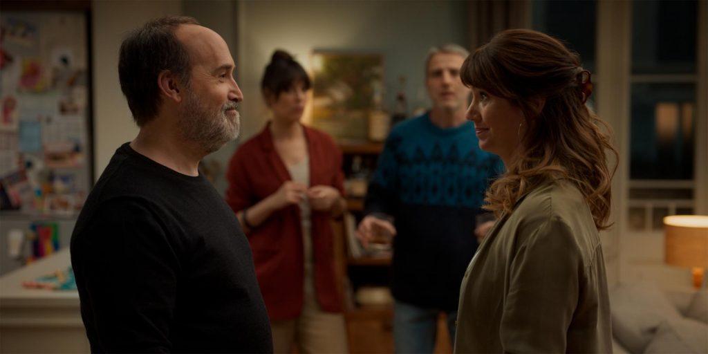 Javier Cámara y Griselda Siciliani al frente, una pareja en crisis. FILMAFFINITY