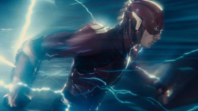 Ezra Miller, como Flash, uno de los grandes aciertos de La Liga de la Justicia. HBO