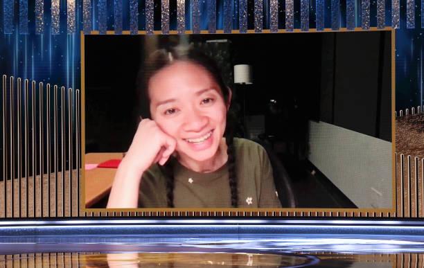 Chloé Zhao ganadora a mejor directora. en los Globos de Oro 2021