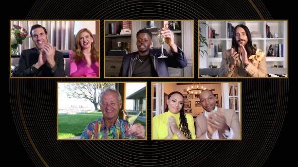 Sacha Baron Cohen (con Isla Fisher), Jared Leto, Bill Murray y Leslie Odom, Jr. (con Nicolette Robinson) aplauden a Daniel Kaluuya como ganador a mejor actor de reparto