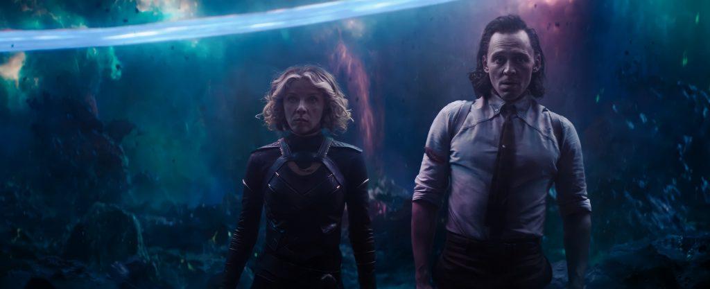 Loki y Silvie analizando la nueva situación en el fin del tiempo